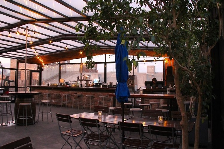 20 nyc rooftop bars to get your drink on this summer Nyc rooftop bars
