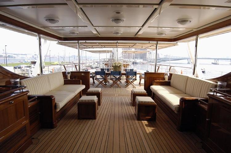 bridge-deck-aft-800