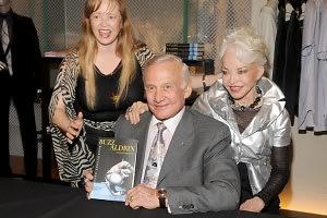 Lisa Cannon, Buzz Aldrin, Lois Aldrin