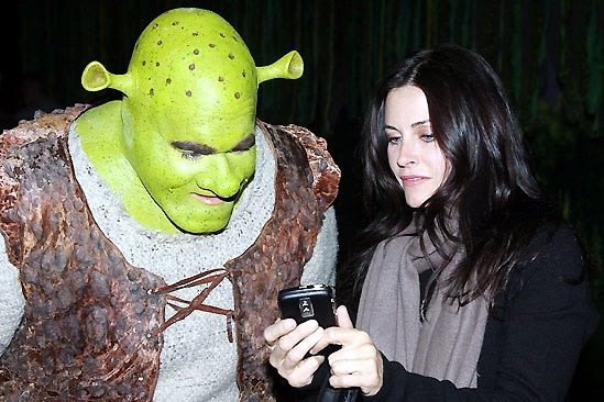 Shrek, Courtney Cox
