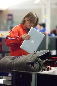 Viggo Mortenson, MacBook Pro