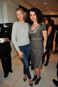 Kelly Rutherford, Angela Arabo