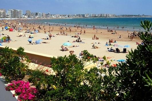 les-sables-dolonne-la-grande-plage