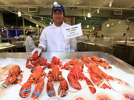 7 delicious lobster rolls to try this summer for Wholesale fish market los angeles