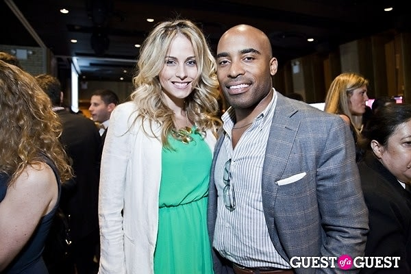 Traci Lynn Johnson, Tiki Barber