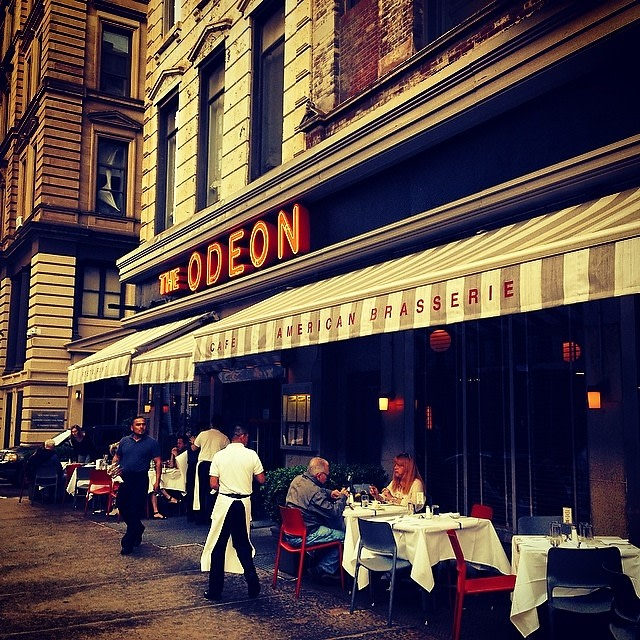 Classic cuisine 8 iconic new york restaurants we love for Iconic places in new york