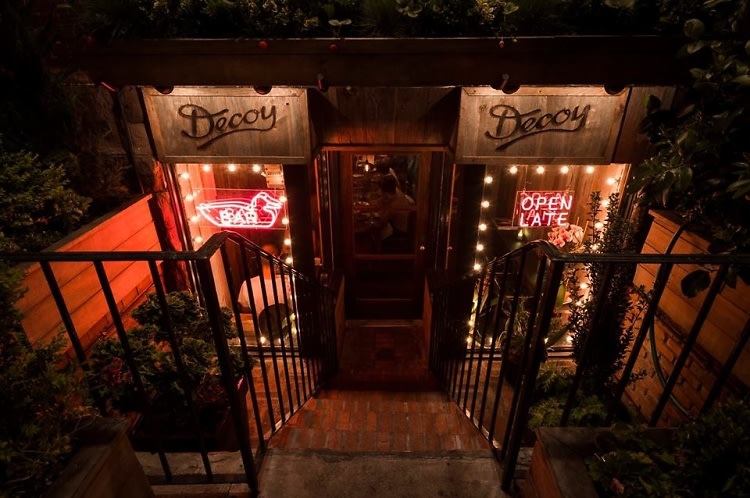 NYC's Best Hidden Restaurants (& Where To Find Them!)