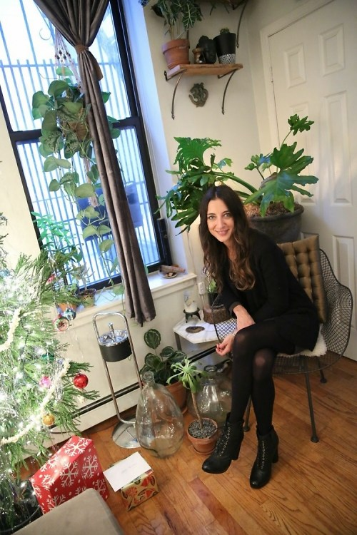 Interview: NYC Flower Girl Denise Porcaro Talks Seasonal Inspiration & Her Favorite Scents For Home