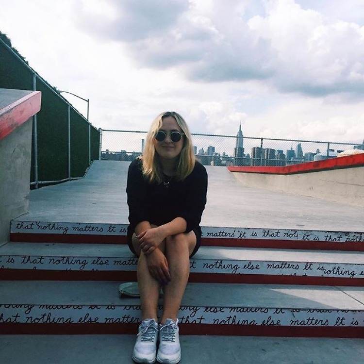 Interview: How DJ Jilly Hendrix Stays Rockin' & Rollin' Outdoors This Season