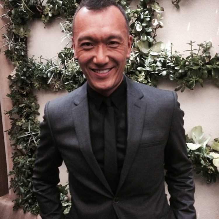 "Interview: Elle's Creative Director Joe Zee Dishes On Designing, Red Carpets & Being ""Comfy Chic"""