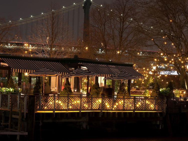 The best waterfront restaurants in new york for Top of the rock new york restaurant