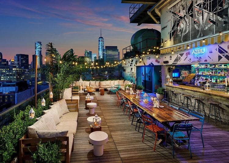 20 nyc rooftop bars to get your drink on this summer for Best boutique hotels nyc 2016