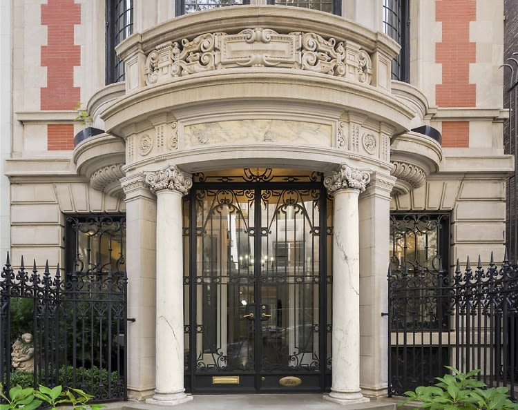 Inside michael jackson 39 s former upper east side townhouse for Upper east side townhouses