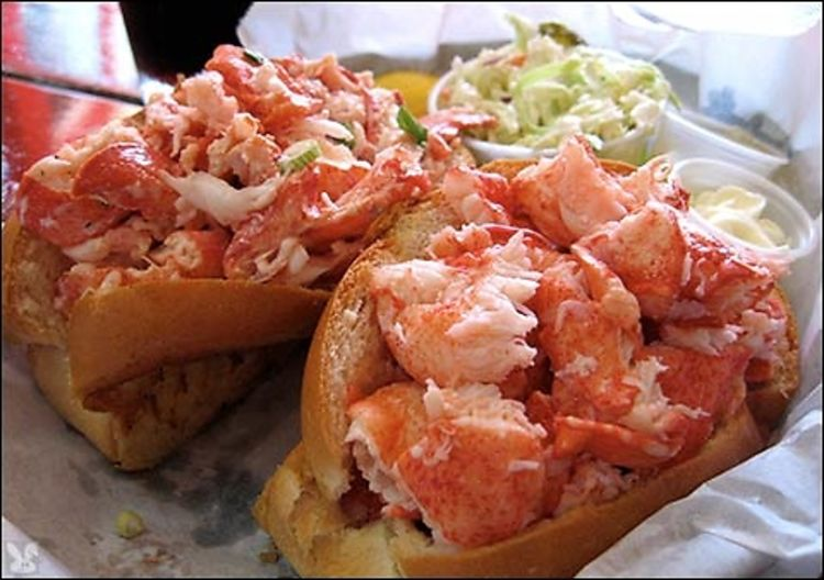 7 Delicious Lobster Rolls To Try This Summer
