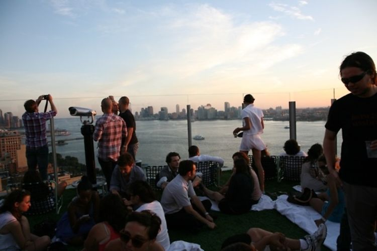 Where to play this memorial day weekend the 2012 nyc guide for Bain new york