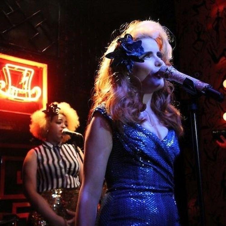 Daily Style Phile: British Pop-Star Paloma Faith Brings