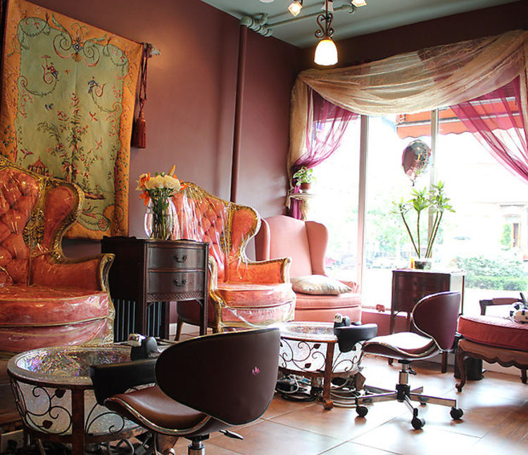 Fancy Manicure Salon Decoration: NYC Nail Salons With Complimentary Cocktails