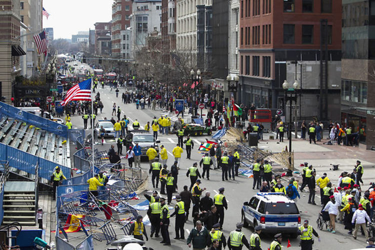Celebrities React to Boston Marathon Bombings - YouTube