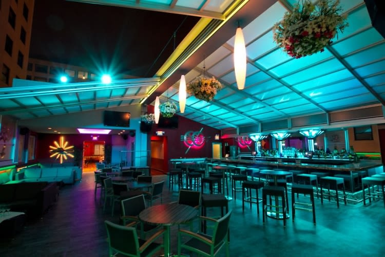 10 Best Heated Rooftop Bars In Dc To Get Cozy With Your