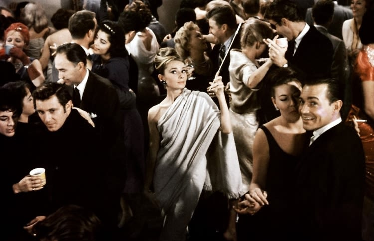 The 10 best party scenes on screen for Diamants sur canape