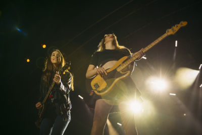 danielle haim in Shaun White's AIR + STYLE Los Angeles Festival