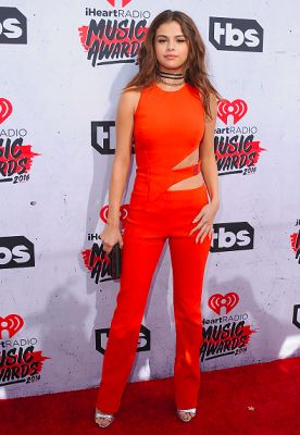 How The Jumpsuit Took Over The iHeartRadio Awards Red Carpet
