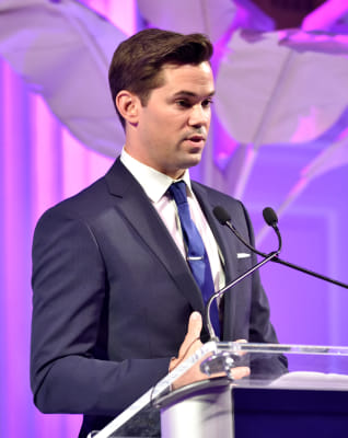 andrew rannells in ArtsConnection 2016 Benefit Celebration