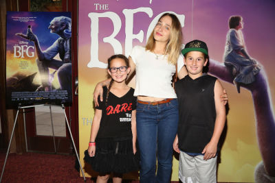 Jemima Kirke, Shiloh Fernandez & More Attend A Family-Friendly Screening Of