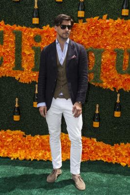 johannes huebl in Veuve Clicquot Polo Classic 2016
