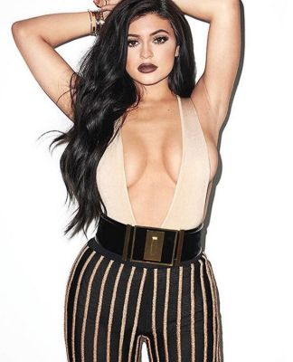 kylie jenner in 57 #NoBra Moments From Our Favorite Celebrities