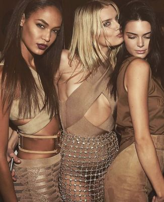 lily donaldson in 15 Times Kendall Jenner Partied Without Her ID