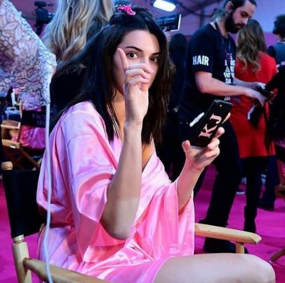 kendall jenner in Your Backstage Look At The 2016 Victoria's Secret Fashion Show In Paris