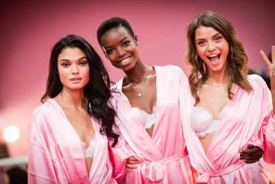 Victoria's Secret Fashion Show 2016: Backstage
