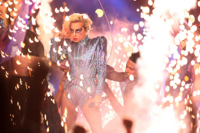 The Most Hilarious Lady Gaga Memes From Her 2017 Super Bowl Performance