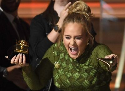 Adele Literally Broke Her Grammy In Half For Beyoncé