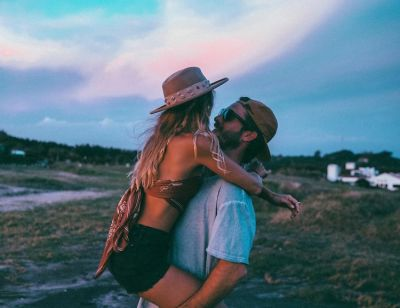 5 Reasons You Should Never Date Somebody Hotter Than You