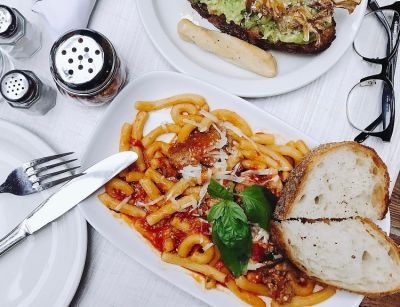 The 8 Best Foods To Order On A First Date