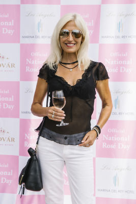 tracy kahm in National Rosé Day with BODVÁR