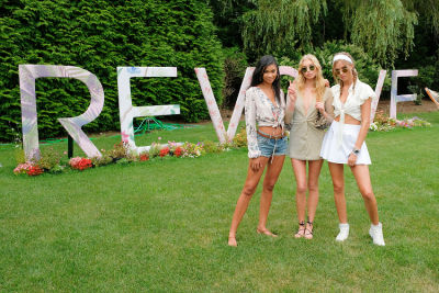What It's Really Like To Party With Models & Bloggers In The Hamptons