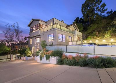 Inside Rihanna's New $6.8 Million L.A. Mansion