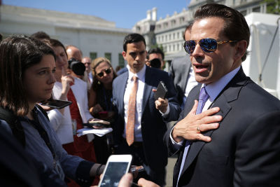 XOXO, Anthony Scaramucci Is The White House Gossip Girl