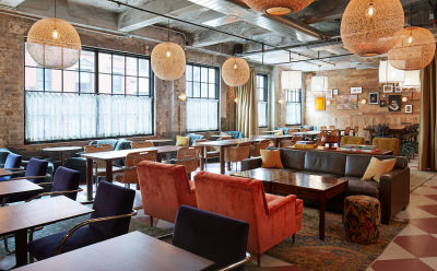10 Spots To Meet Hot Young Professionals In NYC