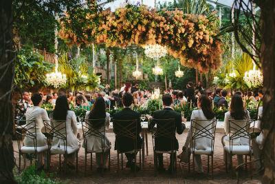 This Lush Hawaiian Wedding Turned Tropical Into Black Tie