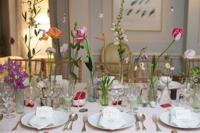 Cathy Graham Is The Queen Of Unexpected Floral Arrangements