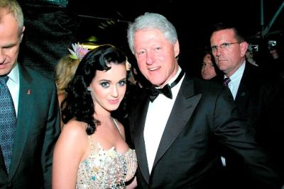 Wild and Kinky Show Up At Life Ball 2009, Bill Clinton Stays Fly