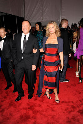 michael-kors-lauren-hutton