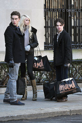 Chace Crawford, Taylor Momsen, Connor Paolo