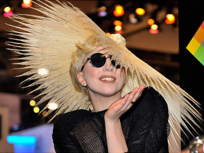 alg_lady_gaga_hat