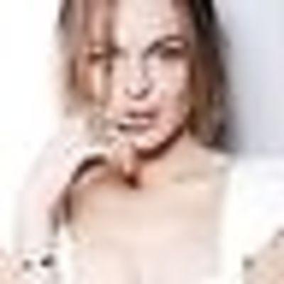 Twitterific Tweets: Everyone Leave Lindsay Lohan Alone MMMKay?