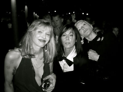 Courtney Love, Lady Amanda Harlech, Daphne Guiness